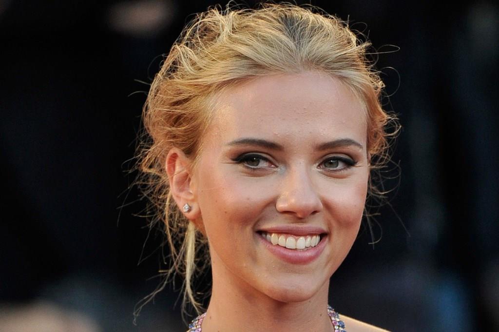 Скарлетт Йоханссон, Scarlett Johansson, Модные знаменитости, мода 2013, мода 2014, модные наряды, красивые платья
