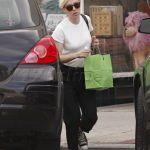 скарлетт йоханссон одежда, стиль скарлетт йоханссон, шоппинг со скарлетт йоханссон, скарлетт йоханссон 2015, скарлетт йоханссон прическа, скарлетт йоханссон волосы