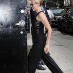 скарлетт йоханссон 2015, скарлетт йоханссон на шоу 2015, скралетт йоханссон на The Late Show , скарлетт йоханссон со стивеном колбертомscarlett johansson 2015, scarjo