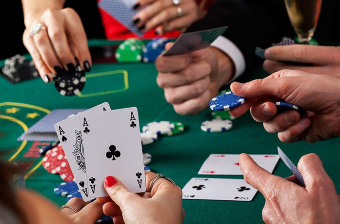 Преимущества игры в покер онлайн